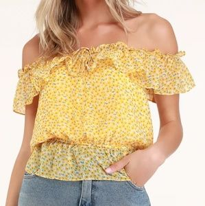 Yellow floral off the shoulder top Lulus small nwt